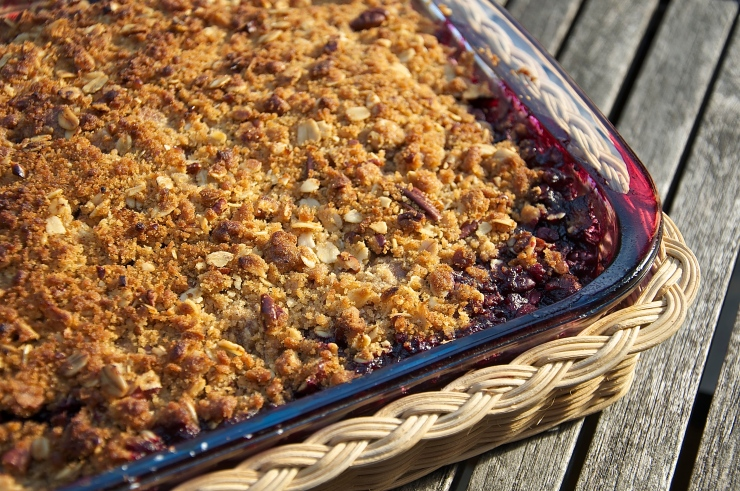 Blackberry and King Apple Crumble - A Pat & A Pinch